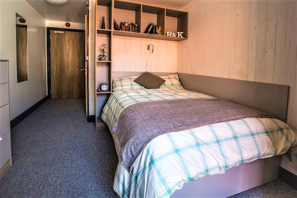 Deluxe Wet Room En-Suite